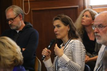 Dia Anagnostou asking a question during the future of Europe debate